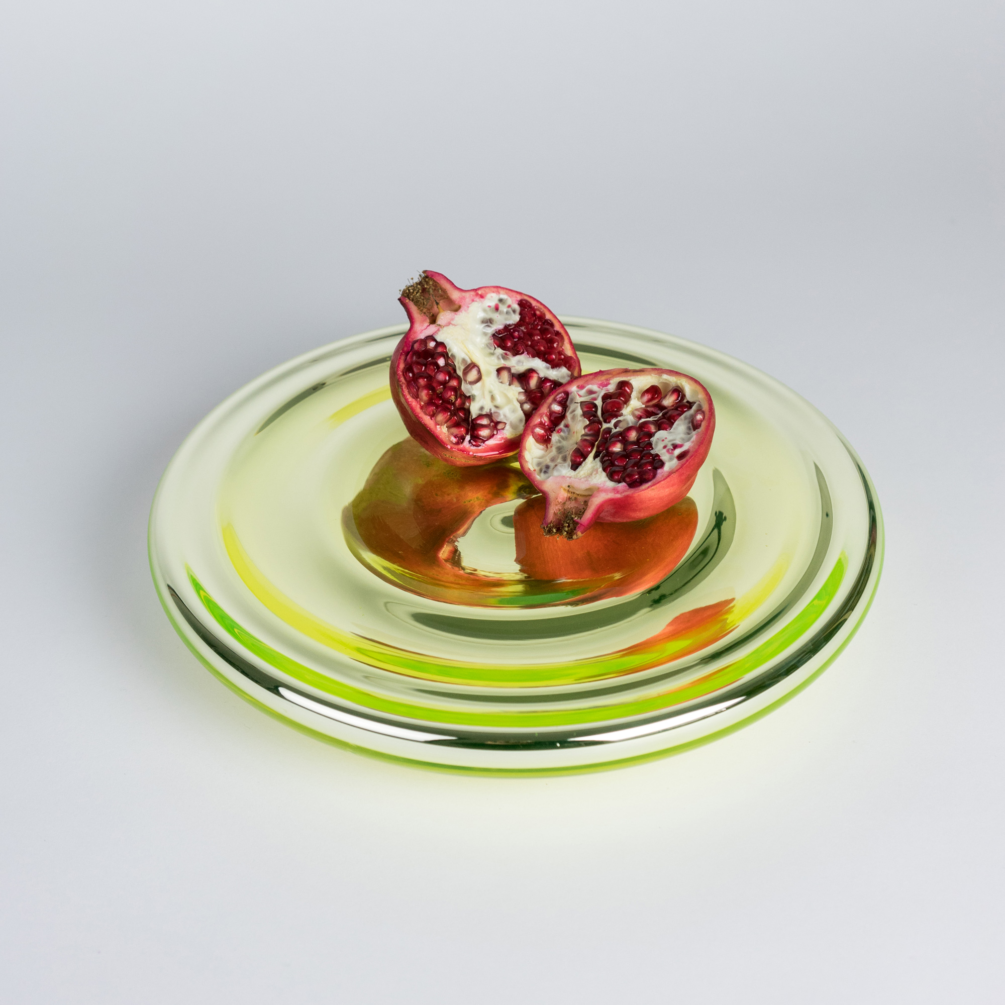 Uranium glass bowl with pomegranate by Michal Prazsky