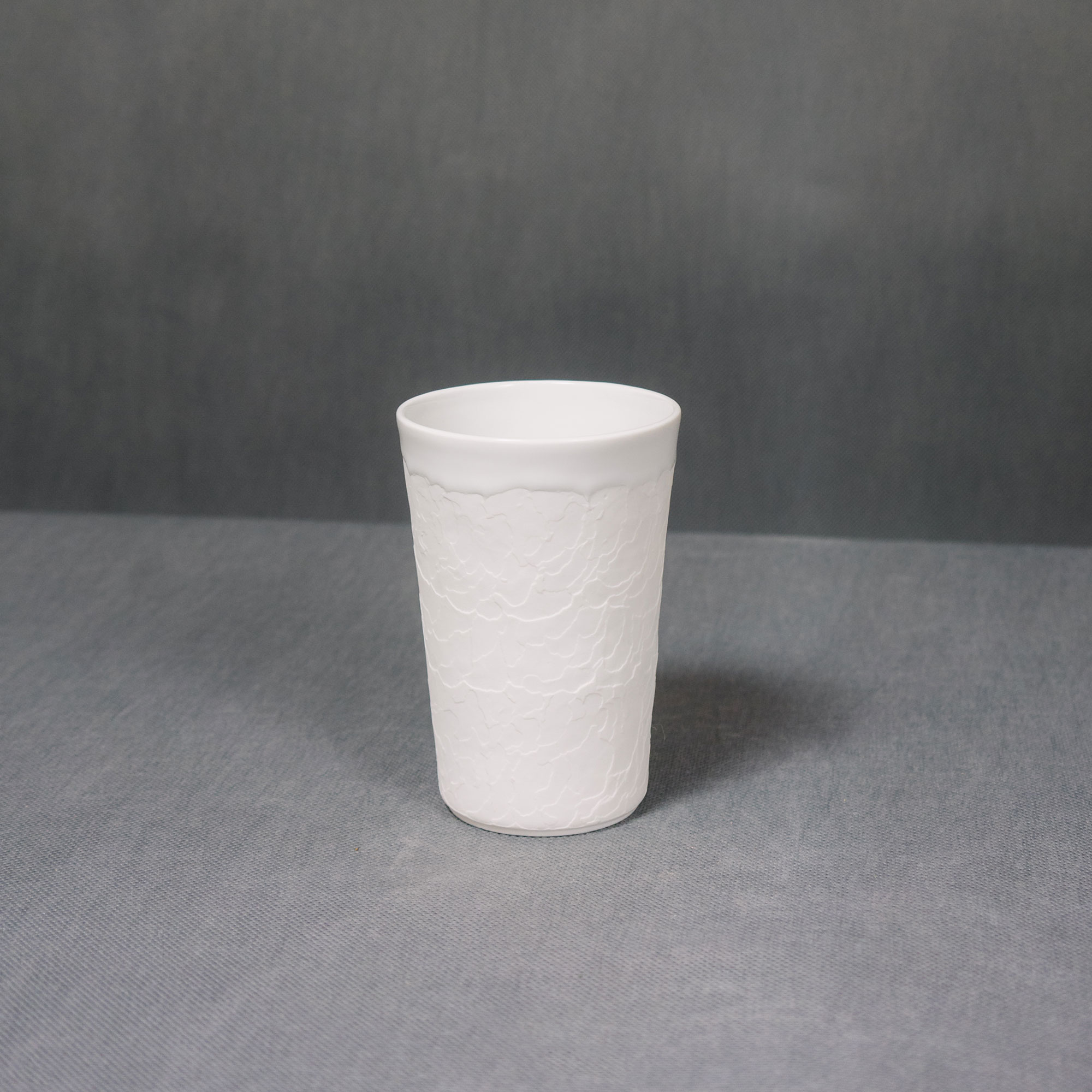 White ceramic structure cup by Nalejto