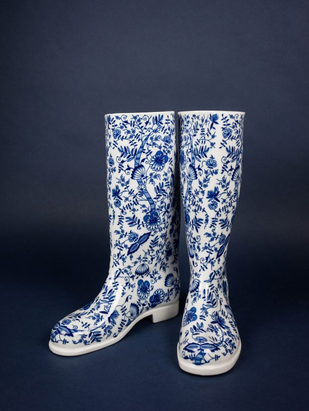 Left and right Waterproof boot vase by design studio Qubus 02