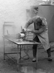 Vobouch Richard Svejda making a vase