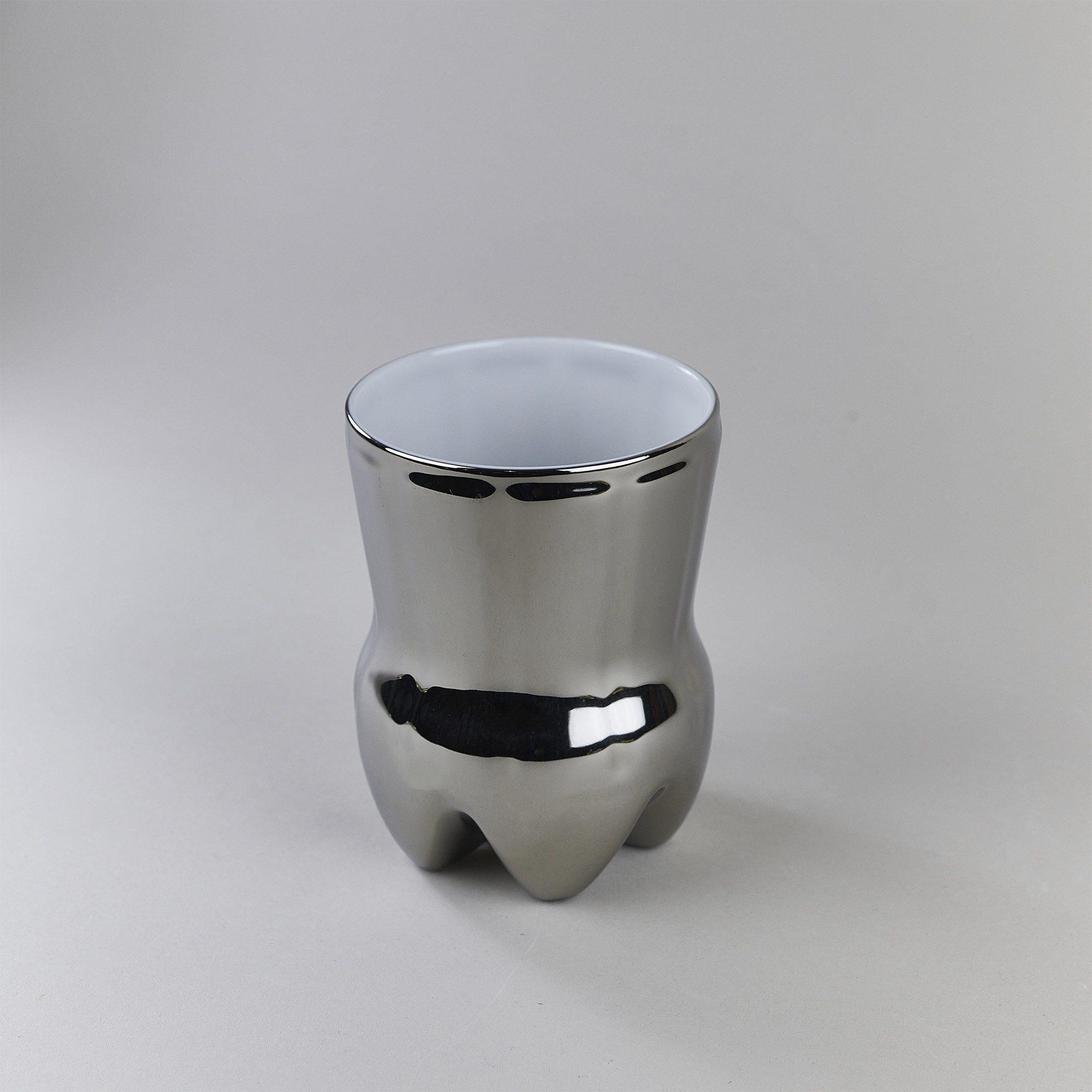 Silver porcelain cup by Qubus design studio