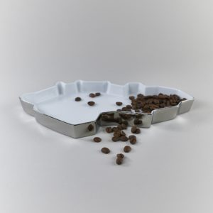Silver porcelain tray with grapes by Qubus design studio