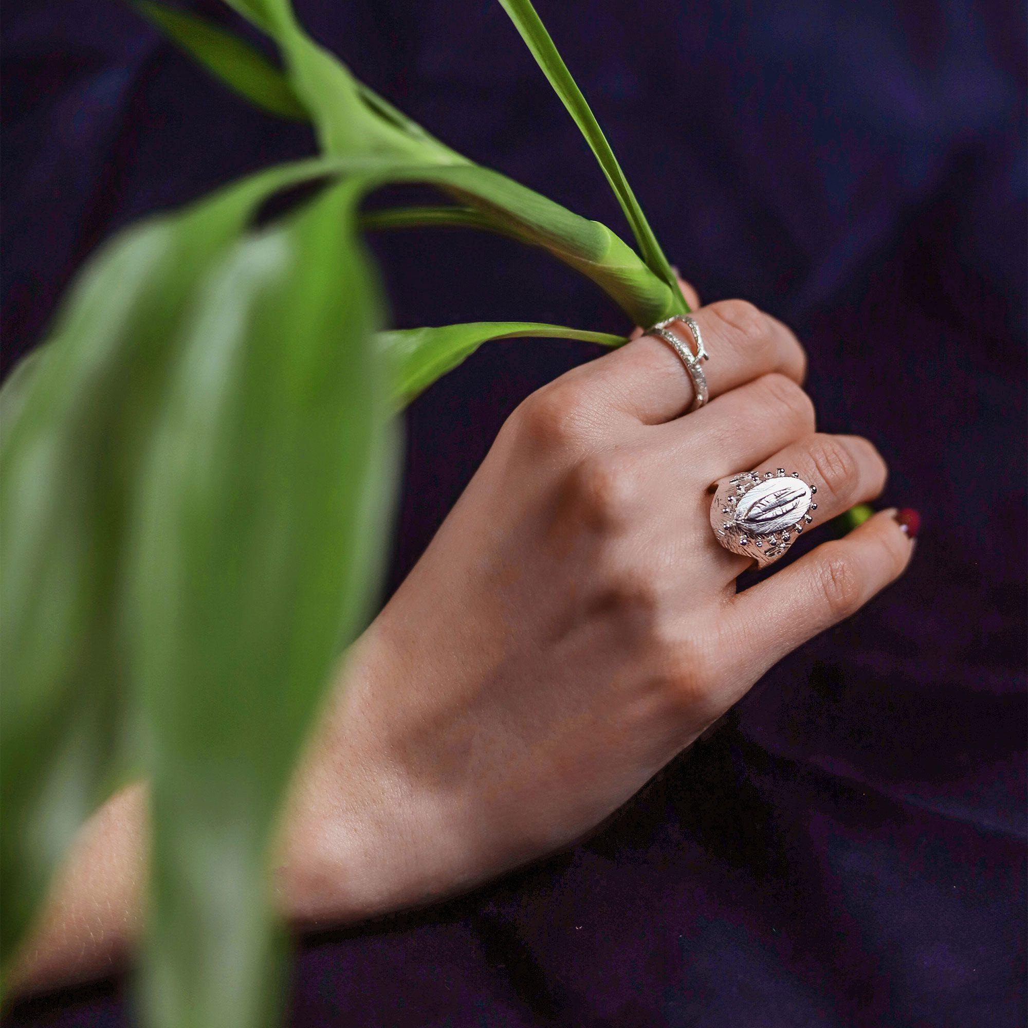 Janja Prokic Seal Feather Ring Silver