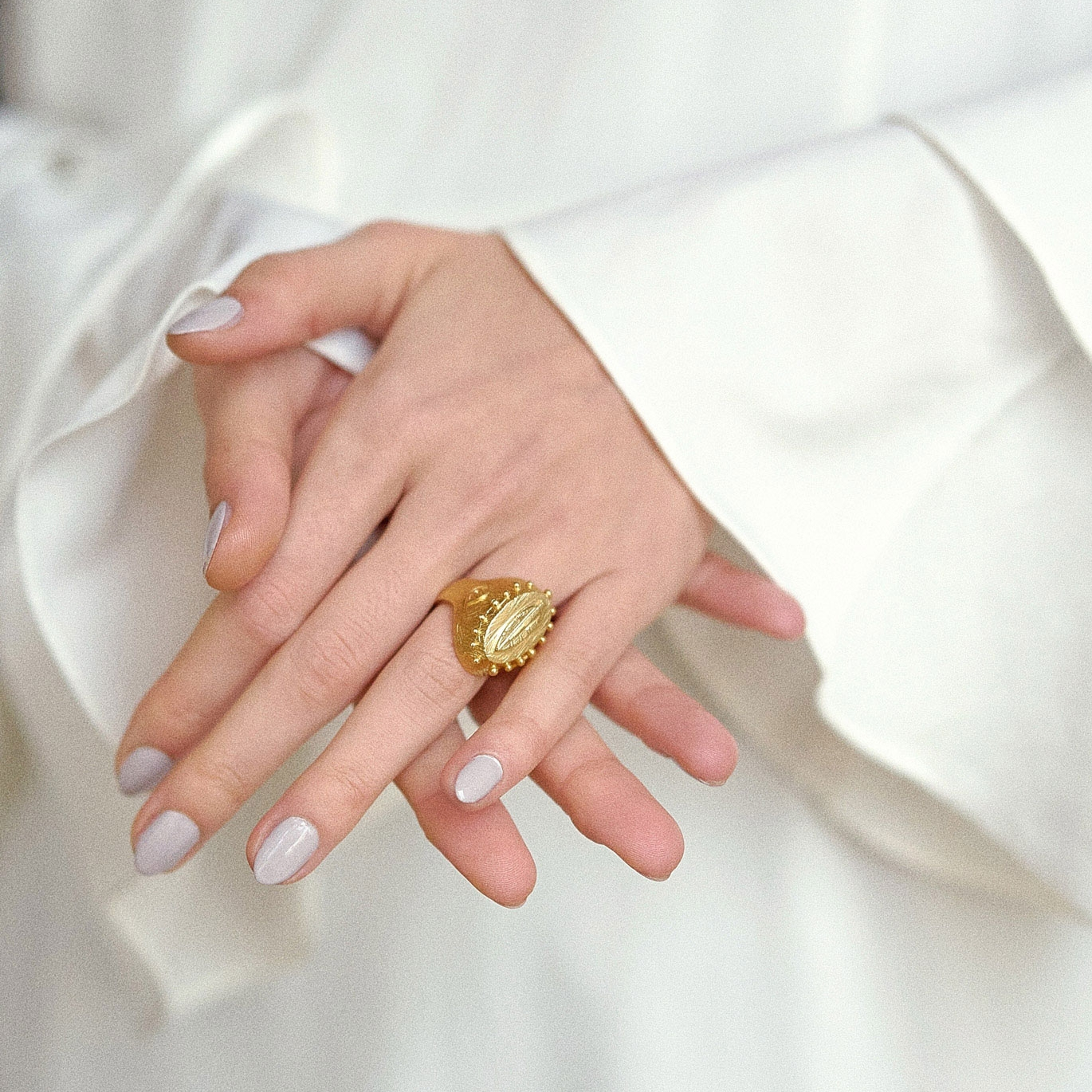 Seal Feather Gold Ring