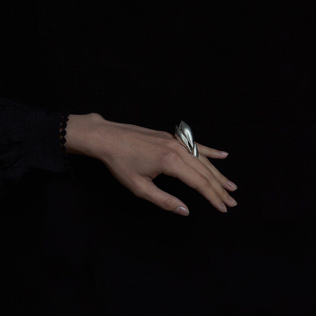 Magnolia silver ring